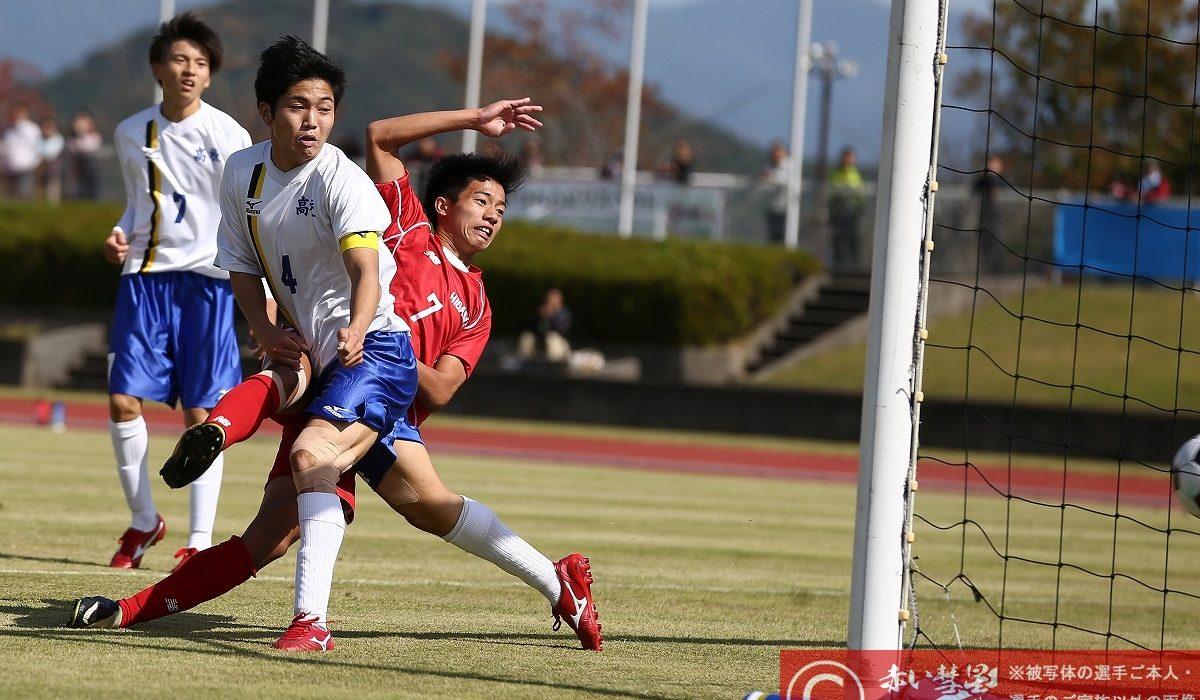 【写真館】第97回高校サッカー選手権福岡大会(準々決勝)