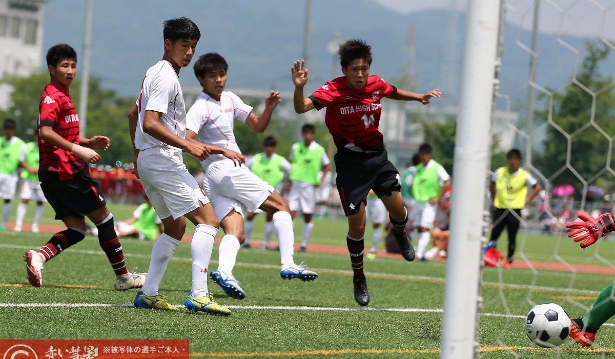 【写真館】令和元年度全九州高校サッカー大会(準々決勝)